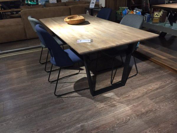 трапезна маса от дъб фингър